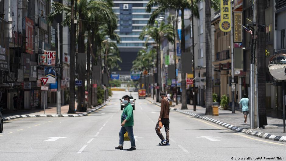 Malaysia mulai menerapkan kebijakan karantina nasional sejak 1 Juni