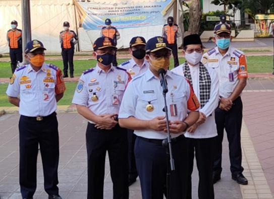 Gubernur DKI Jakarta Anies Baswedan mengumumkan pemecatan 8 personel Dishub. (Ist).