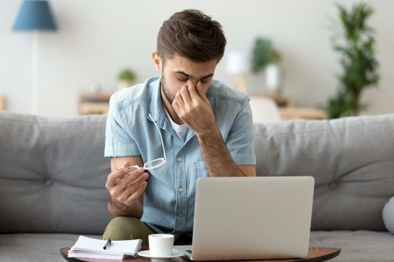 tips menjaga kesehatan mata saat WFH