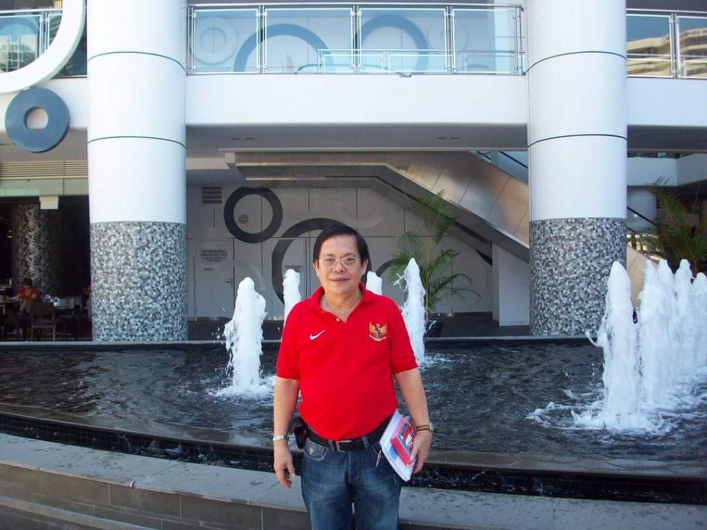 Bert Toar Polii- pemain nasional bridge yang mendapat Satya Lencana olahraga dari Presiden Joko Widodo (Jokowi) merangkap pelatih, jurnalis dan di PB Gabsi sebagai Ketua Bidang Humas.